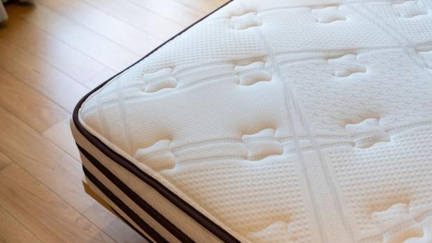Free Press Series: Mattresses with a level, flat surface provide better support than those that sag in one place, or have bumps. Credit: Getty Images / Ratchat