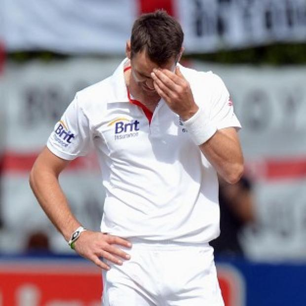 James Anderson and England's bowlers continued to find few rewards in Wellington