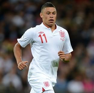 Alex Oxlade-Chamberlain believes the young Gunners can boost England