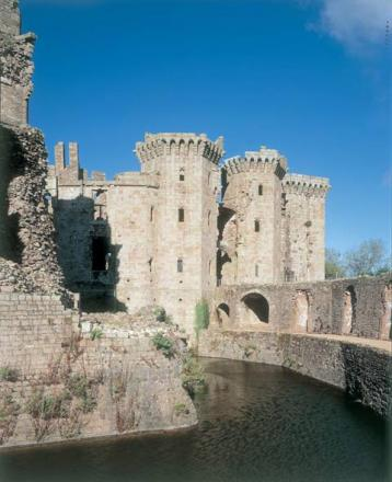 Easter fun at Raglan Castle