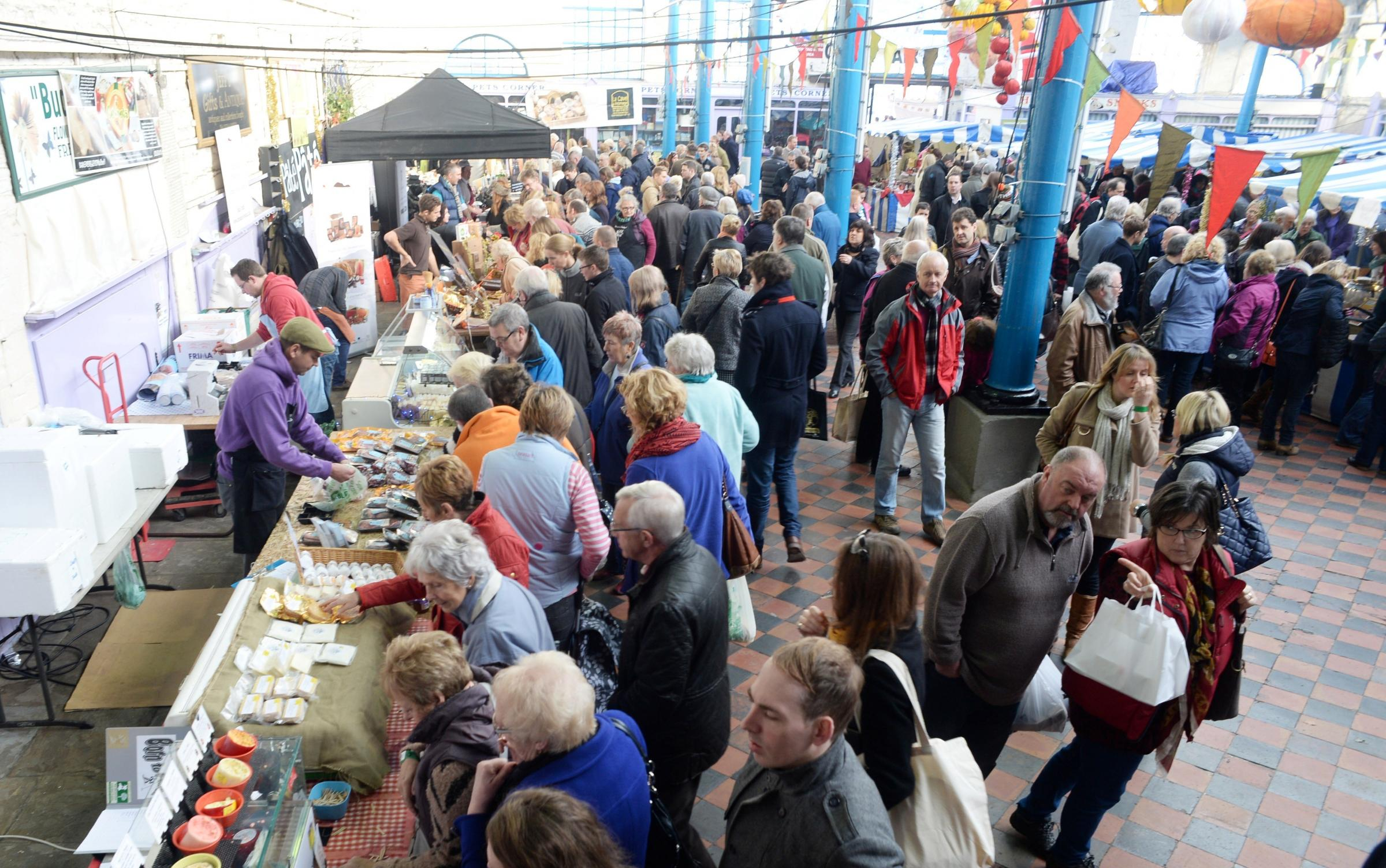 Thousands at the Abergavenny Christmas food and drink fair
