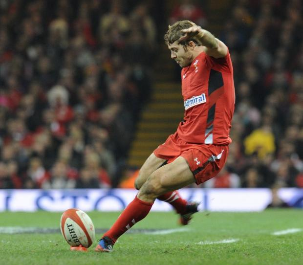 Leigh Halfpenny is world's best kicker, says Warren Gatland
