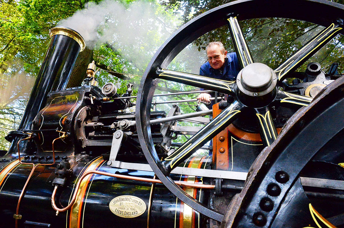 Crowds enjoy Abergavenny steam rally