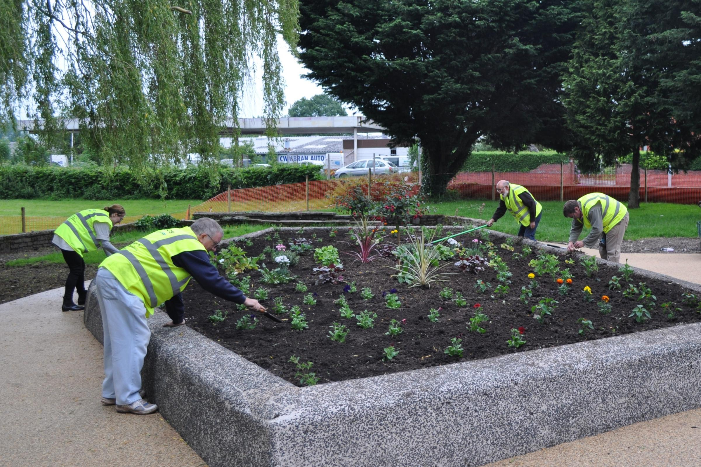 Residents clean up Cwmbran gardens