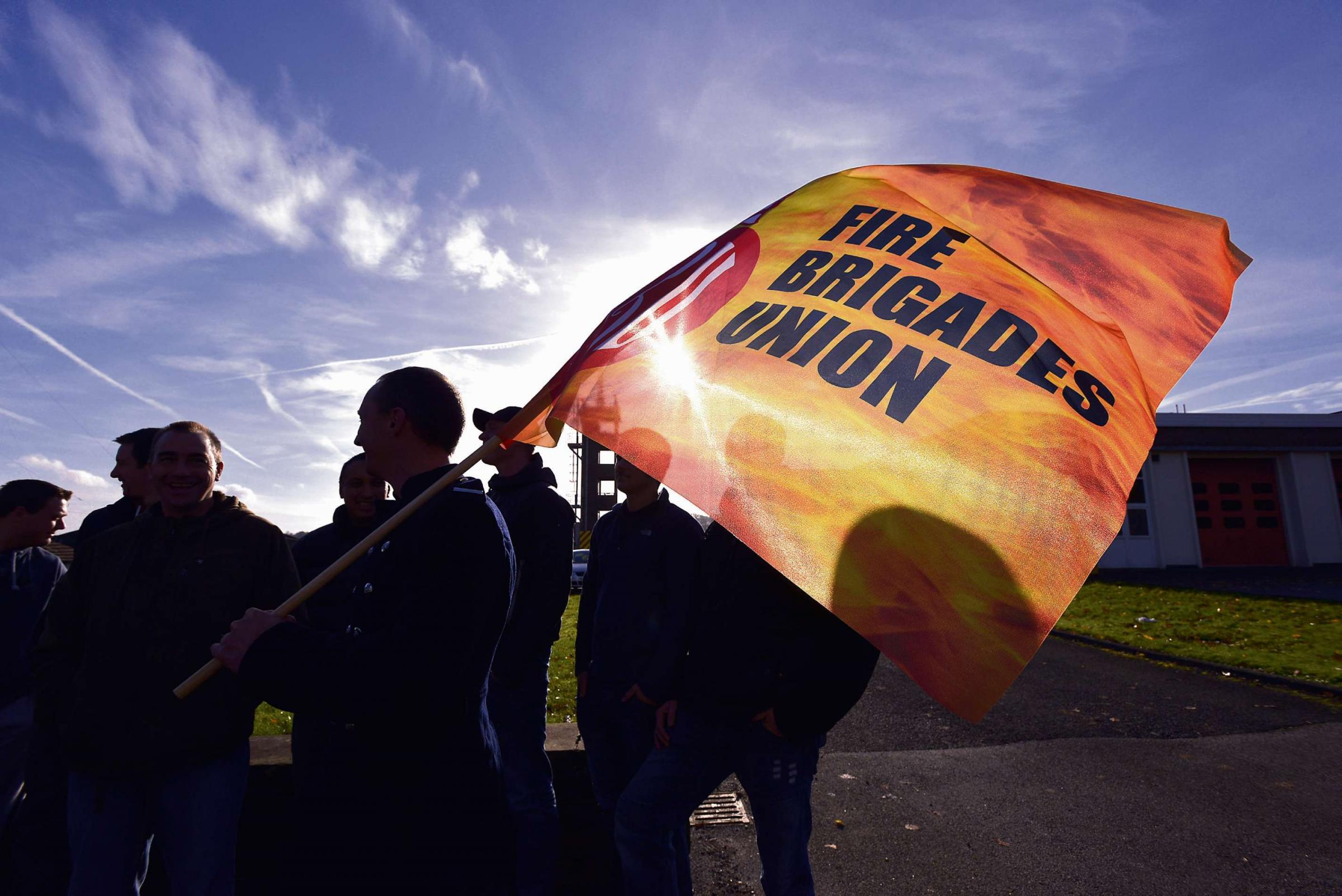 Firefighters set to strike for 8 days