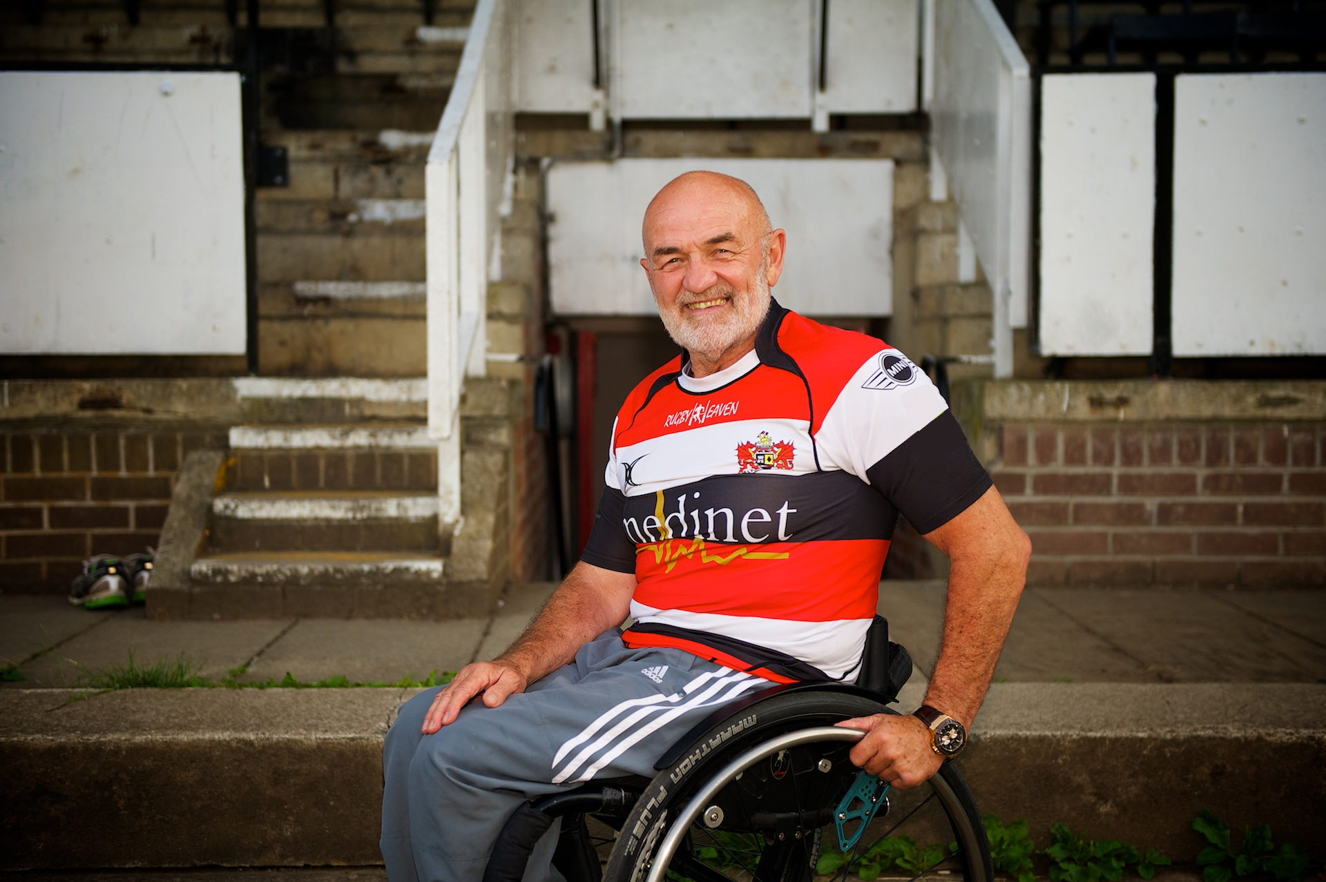 'INSPIRATIONAL': Paralympic gold medalist John Harris met players at Pontypool RFC