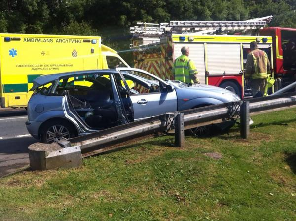 PICTURES: Firefighters called to Cwmbran crash