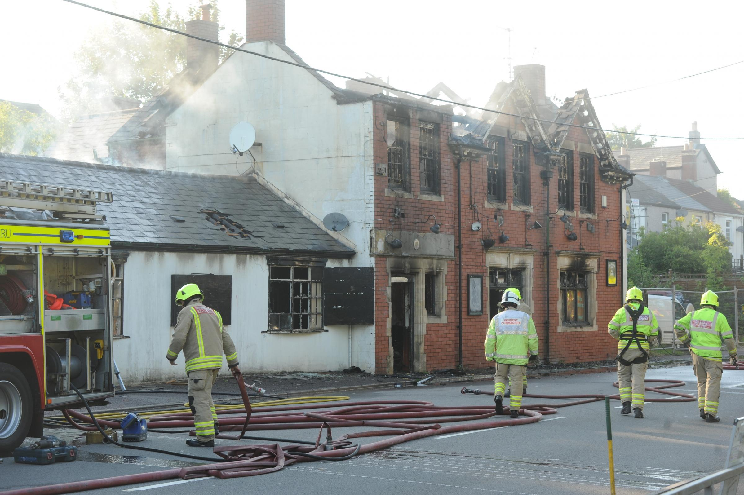 Fire crews attend the scene of a fire at the derelict Masons Arms in Griffithstown (8934732)