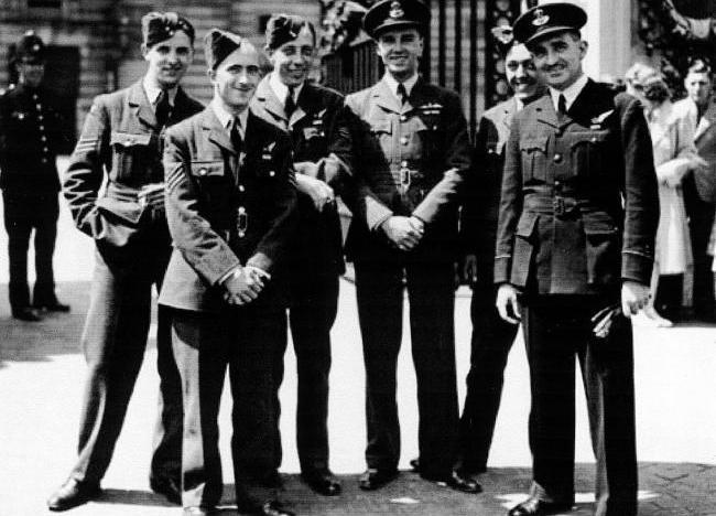 Dambusters: Bill Townsend and his crew before his posting to 617 Squadron. Left to right, Ray Wilkinson (rear gunner), Douglas Webb (front gunner), Charles Franklin (bomb aimer), Bill Townsend (pilot), Jack Grain (wireless operator), Lance Howa