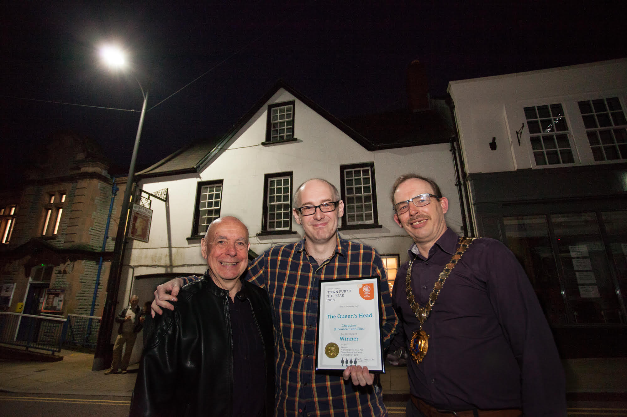 l-r) Martyn Groucutt (Gwent Camra Chairman), Me (Glen Ellis, Queens Head Landlord) and Dale Rooke (Chepstow Town Mayor)