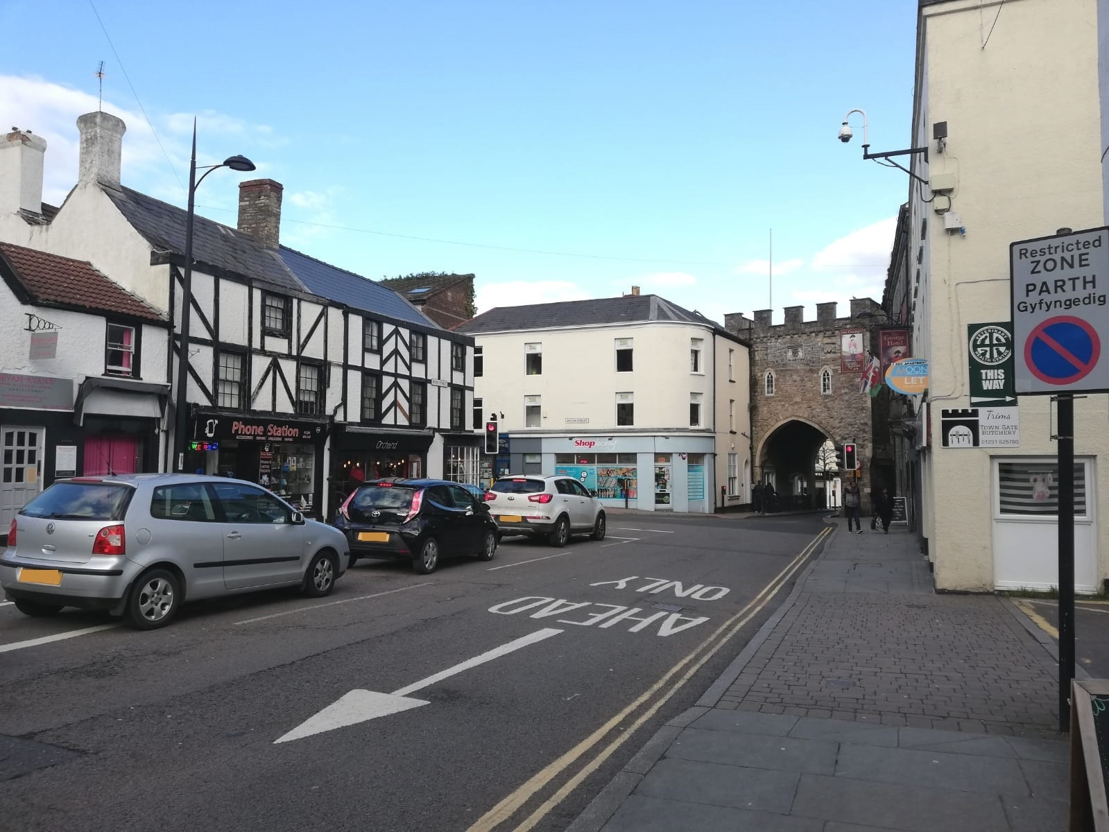 Cars wait to enter Chepstow High Street.